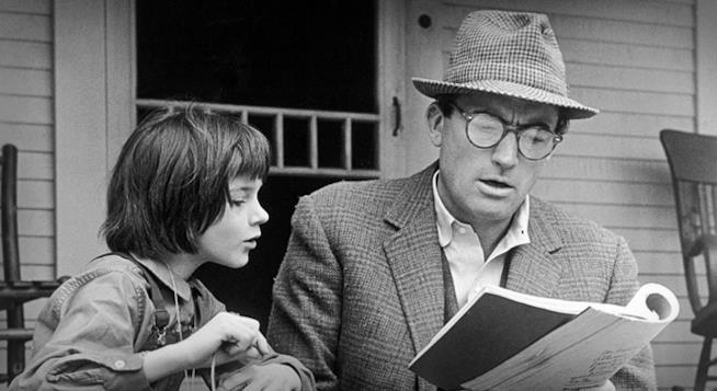 Gregory Peck nel film Il buio oltre la siepe