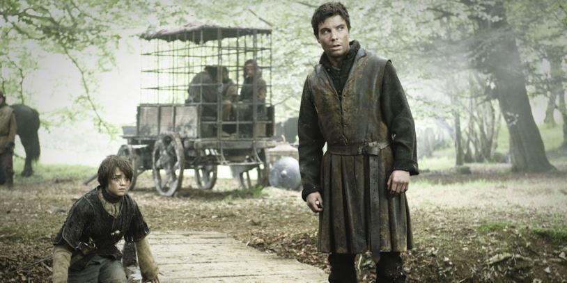 Maisie Williams e Joe Dempsie in Game of Thrones