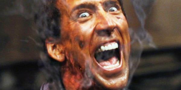 Il volto di Nicolas Cage quasi in fiamme in Ghost Rider