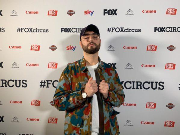 Il cantante di musica pop Gente al FOX Circus del 2018