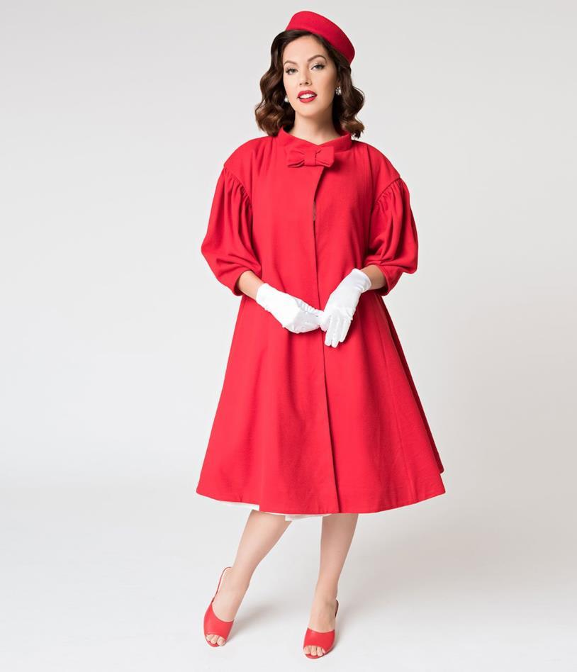 Cappotto rosso con fiocco