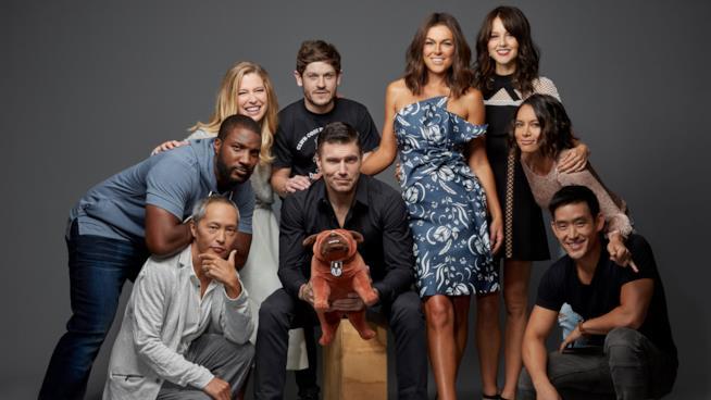 Il cast di Marvel's Inhumans fuori dal set