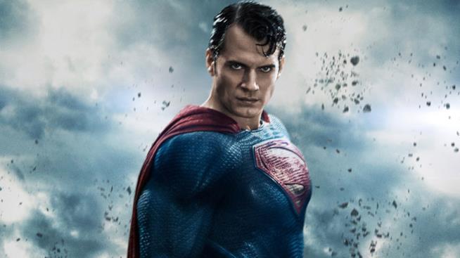 Henry Cavill ha vestito i panni di Superman ne L'uomo d'acciaio e in Batman vs Superman