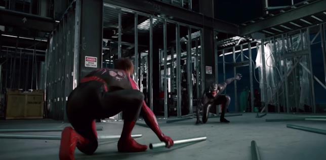 Spider-Man nello scontro con Venom