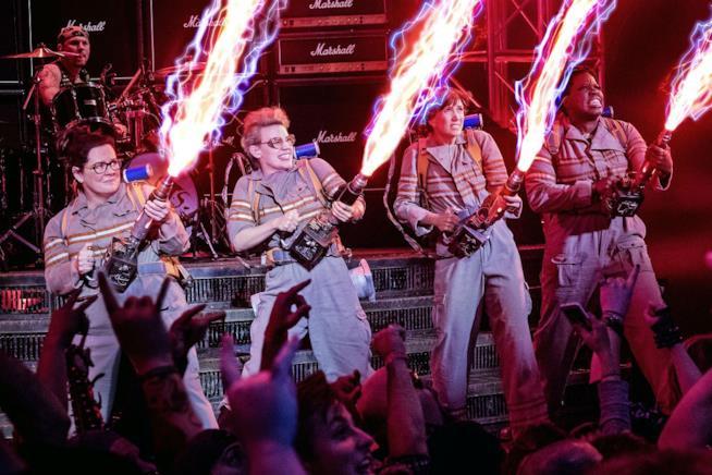 Ghostbusters, il cast in una scena del film