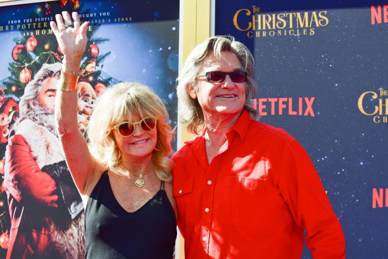 Goldie Hawn insieme a Kurt Russell alla premiere di The Christmas Chronicles