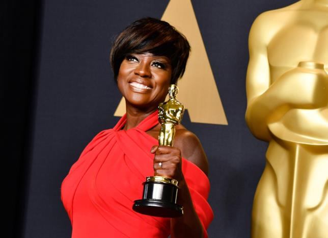 Viola Davis con l'Oscar
