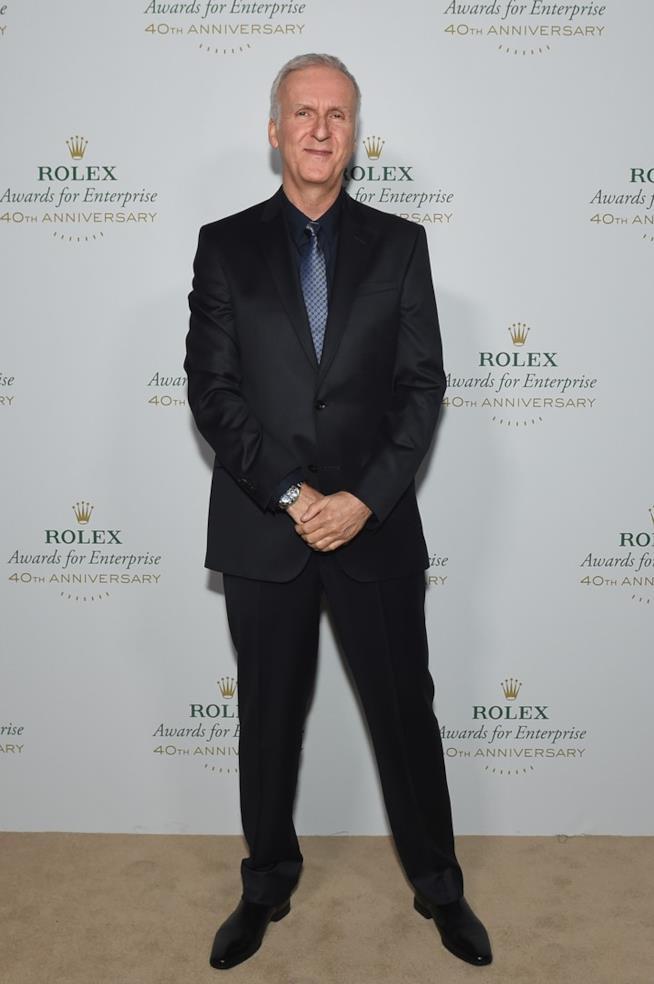 James Cameron a figura intera