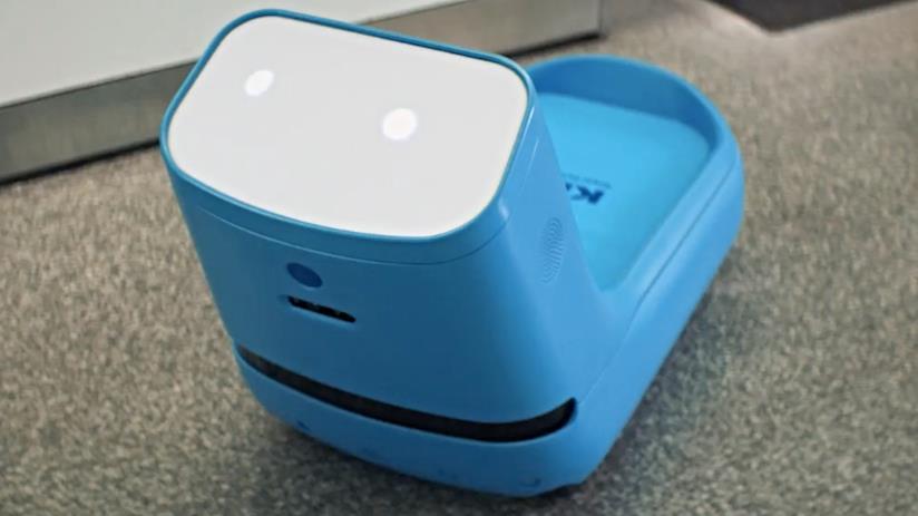 Care-E, il robot porta bagagli
