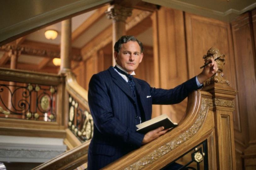 Thomas Andrews in una scena di Titanic