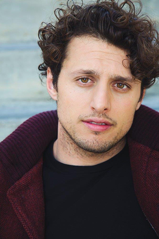 Michael Vlamis, il nuovo Michael nel reboot di Roswell