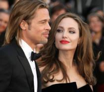 Primo piano di Angelina Jolie e Brad Pitt