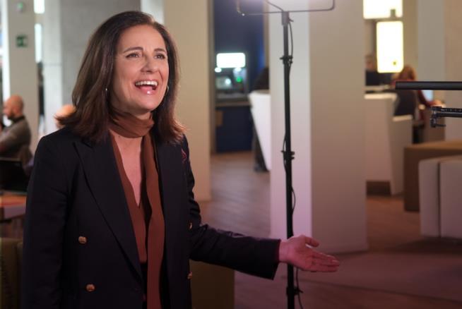 Anna Ferrino, testimonial di questione di merito su FoxLife