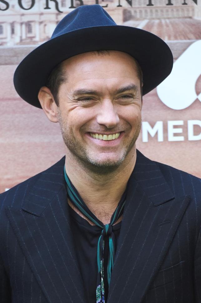 Jude Law alla presentazione di The Young Pope