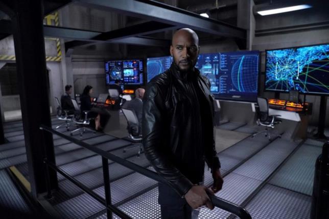 La prima immagine della sesta stagione di Agents of S.H.I.E.L.D. presenta il nuovo direttore Mack