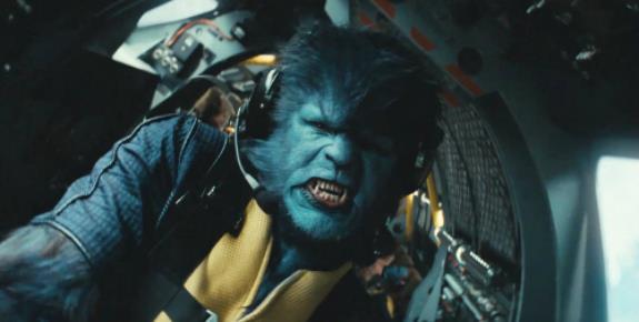 Il personaggio Bestia in una scena di X-Men - L'inizio