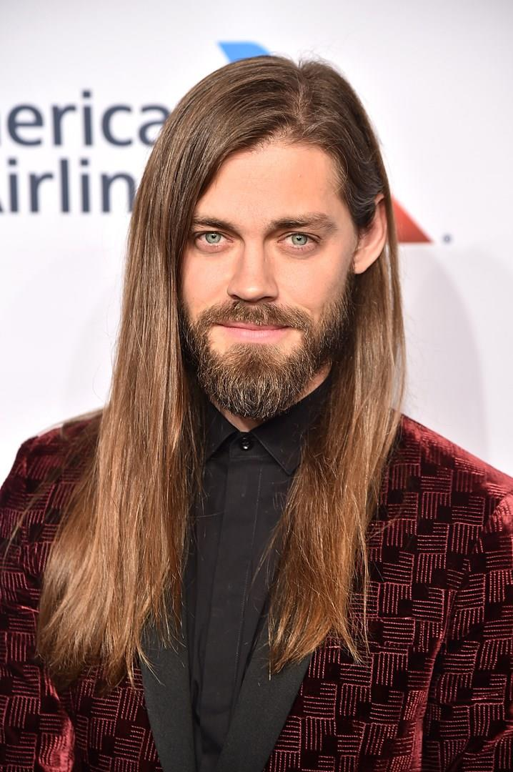 Tom Payne posa sul carpet