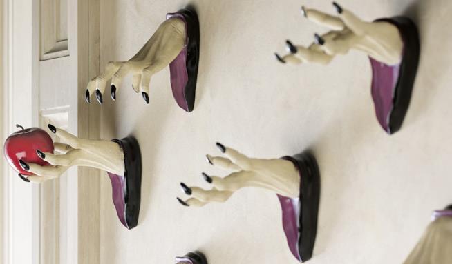 Decorazioni a forma di mani da strega per Halloween