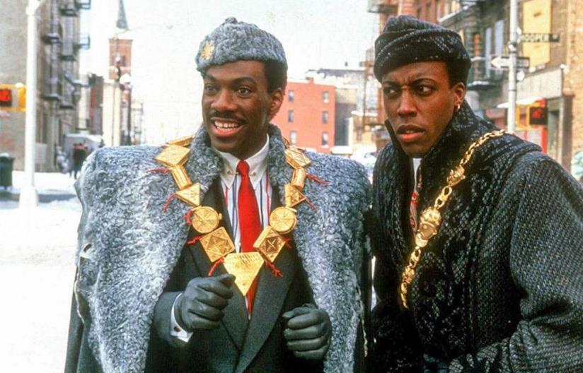 Eddie Murphy e Arsenio Hall in una immagine de Il Principe cerca Moglie del 1988