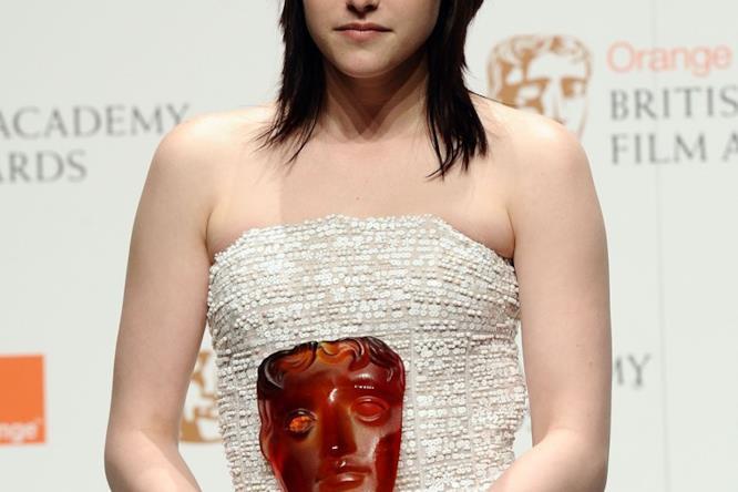 Kristen Stewart ritira il BAFTA
