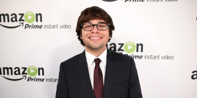 Charlie Saxton sul red carpet amazon