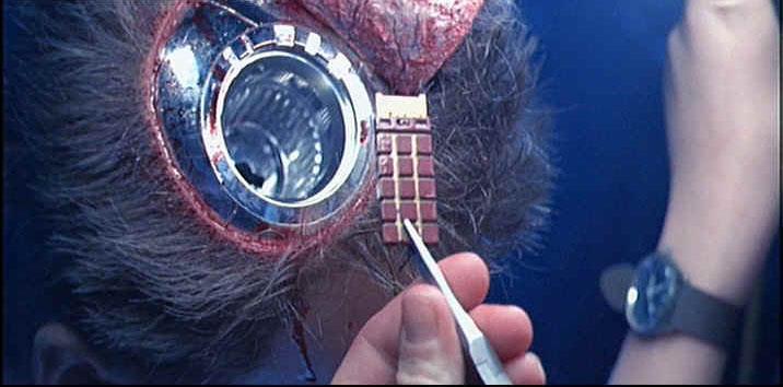 Il chip cerebrale mostrato nella versione Director's Cut di Terminator 2 - Il giorno del giudizio