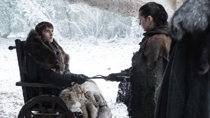Isaac Hempstead-Wright e Maisie Williams in Game of Thrones 7