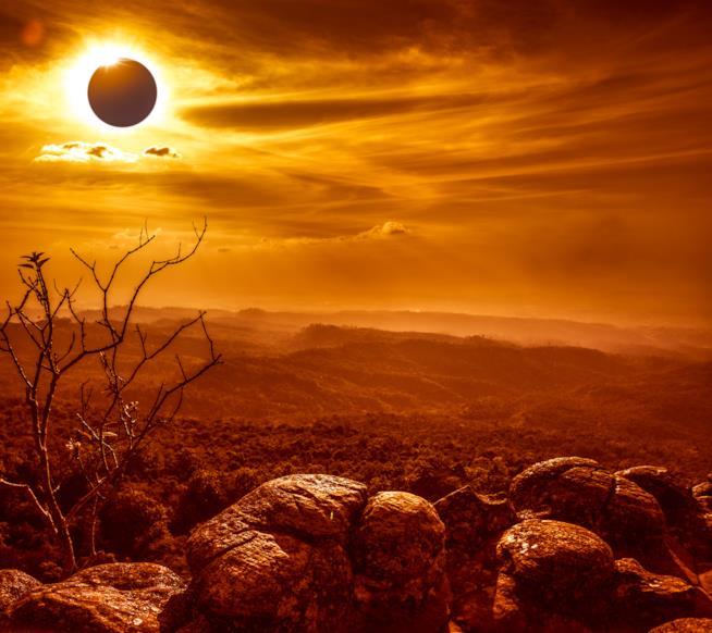 Un paesaggio mutato dall'eclissi