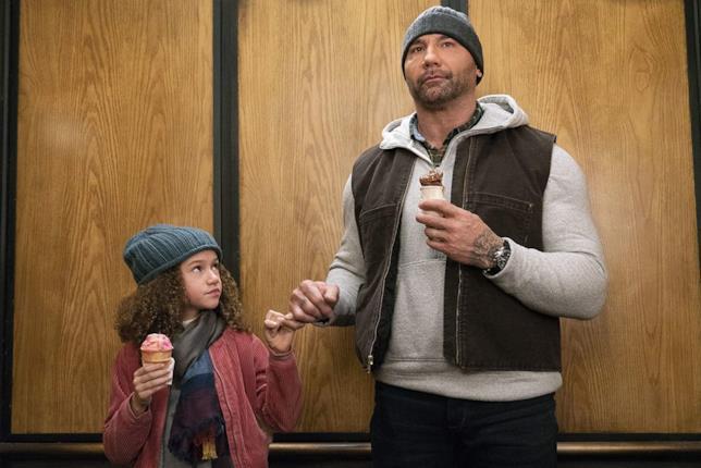 Dave Bautista e Chloe Coleman