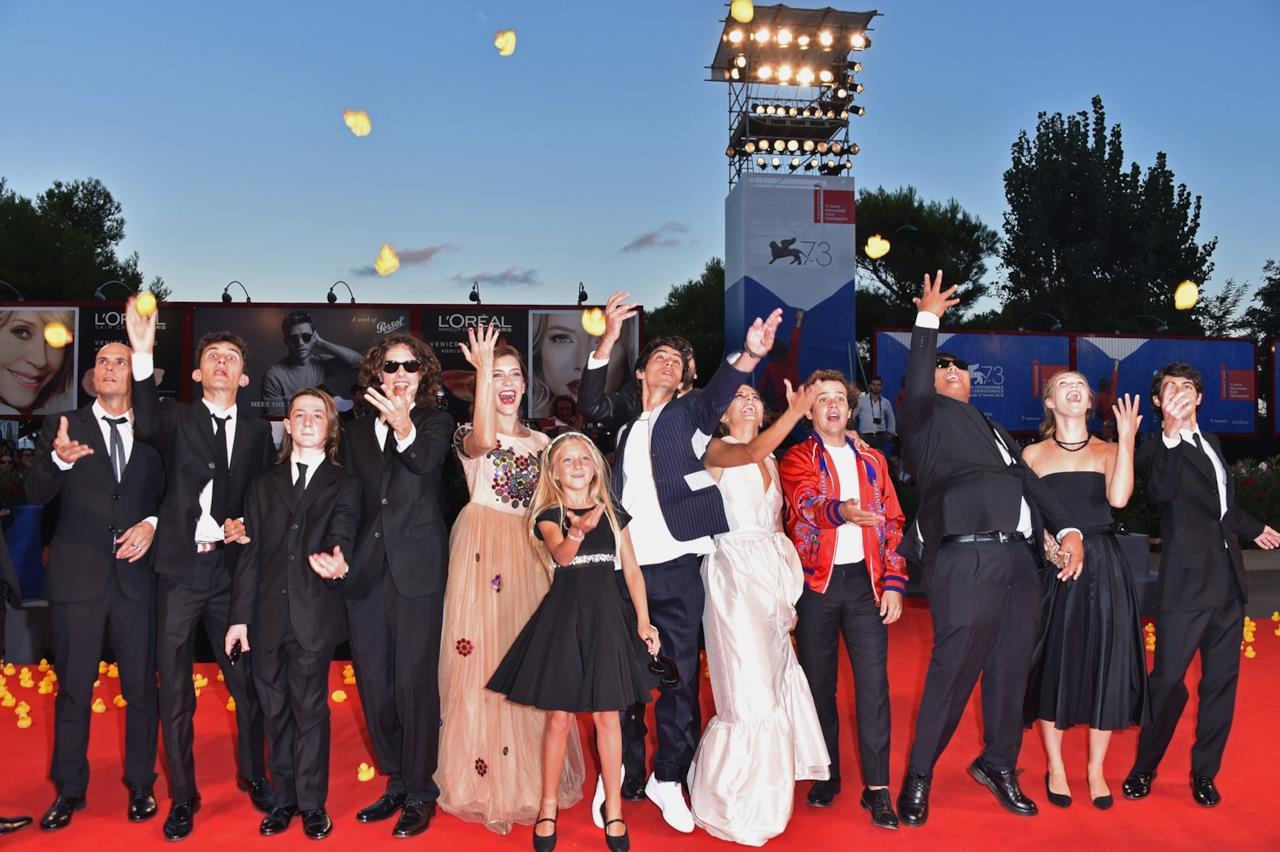 Il cast di Piuma a Venezia 73