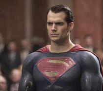 In foto Henry Cavill nel ruolo di Superman