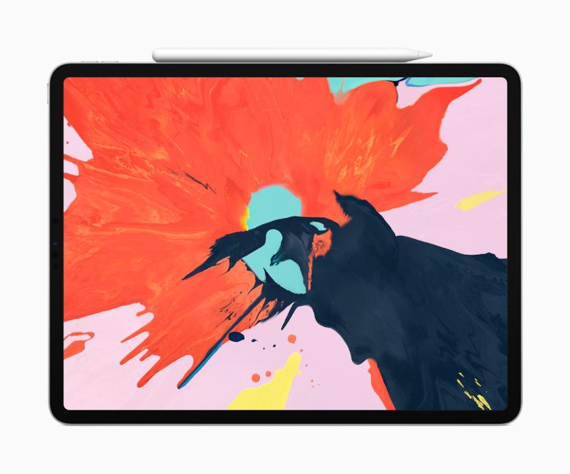 Immagine stampa che mostra la nuova Apple Pencil attaccata magneticamente ad iPad Pro