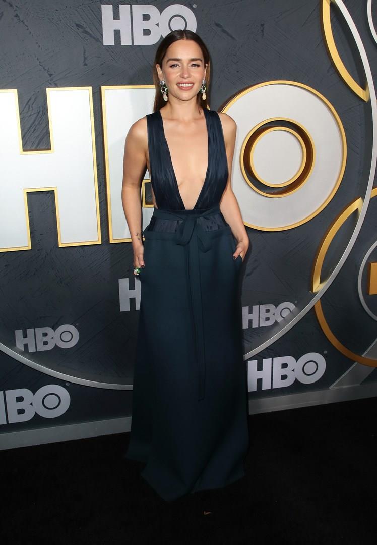 Emilia Clarke sul red carpet degli Emmy