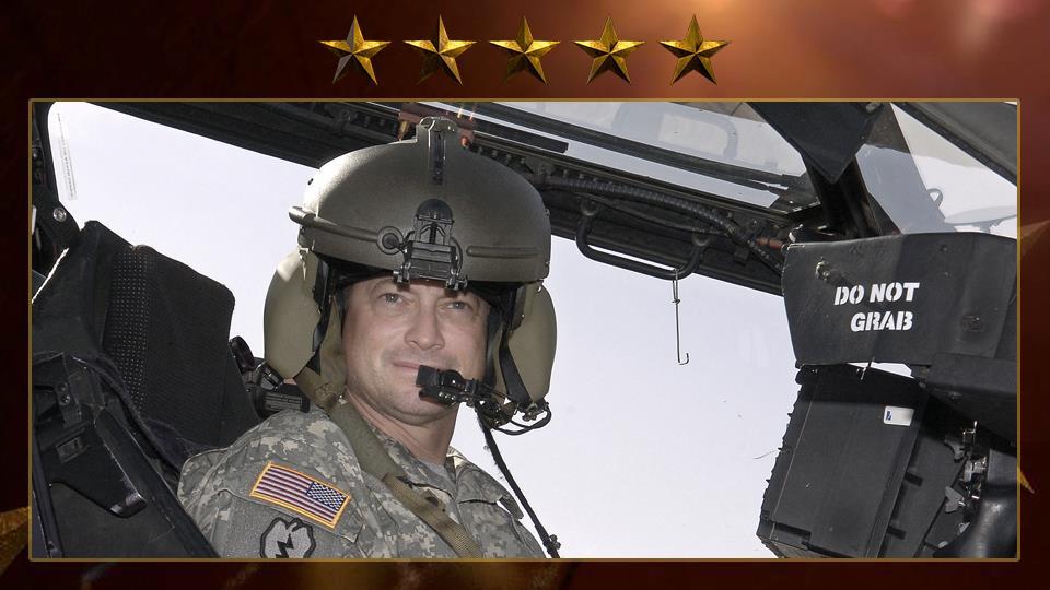 """Fonda nel 2011 la """"Gary Sinise Foundation"""" che si occupa di reperire fondi per sostenere e aiutare veterani di guerra."""