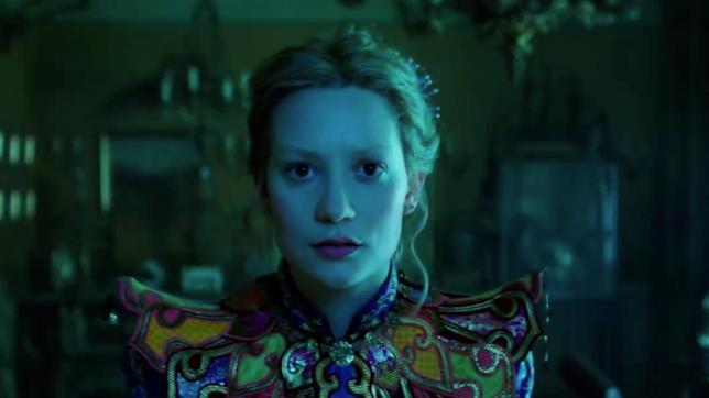 Alice attraverso lo specchio alice cerca tempo nel secondo trailer - Film alice attraverso lo specchio ...