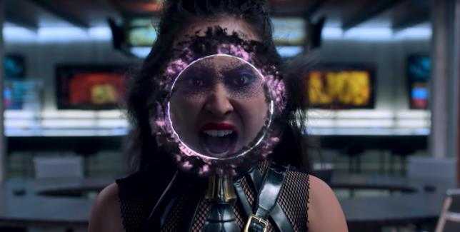 Runaways stagione 2, Nico Minoru nei panni di Lyrica Okan mostra una connessione a Doctor Strange