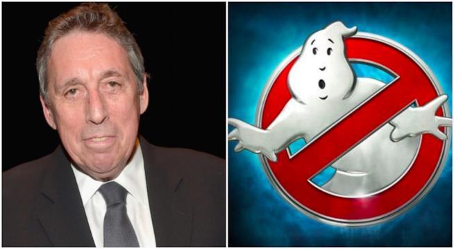 Un collage tra Ivan Reitman e il simbolo Ghostbusters