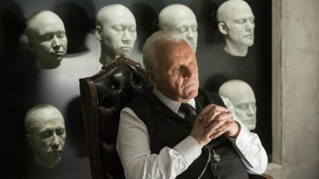 Il dottor Robert Ford in una scena della prima serie di Westworld