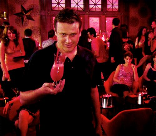 Marshall di How I Met Your Mother alle prese con il cocktail perfetto