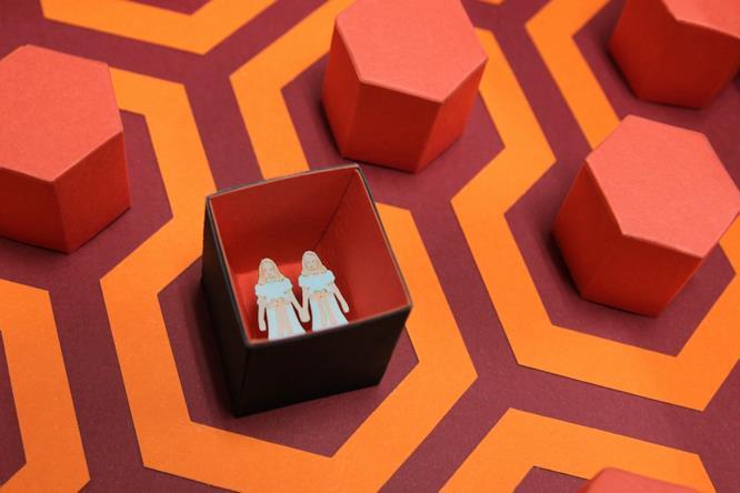 Il dettaglio del quadro che omaggia Shining di Kubrick