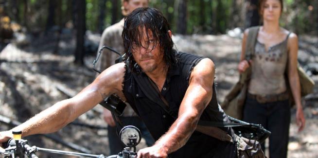 Norman Reedus nei panni di Daryl Dixon sul set della stagione 6 di The Walking Dead.