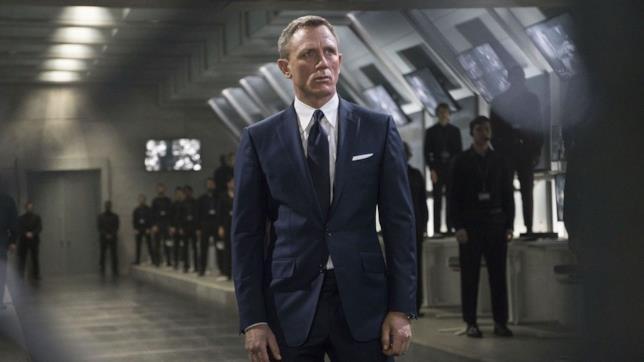 Daniel Craig è James Bond in una sequenza di Spectre