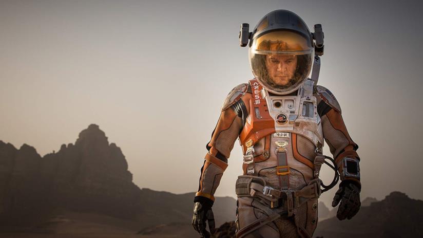 Matt Damon in una scena del film The Martian