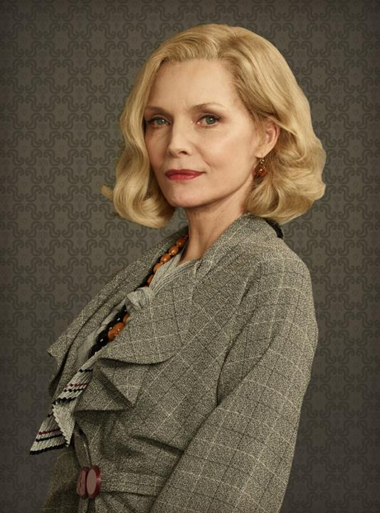 Michelle Pfeiffer nel ruolo di Caroline Hubbard