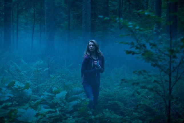 Sara Price è interpretata da Natalie Dormer