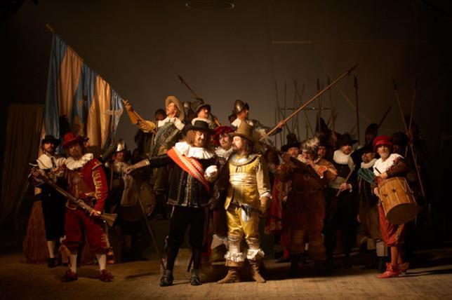 Nightwatching racconta la genesi di un noto dipinto di Rembrandt