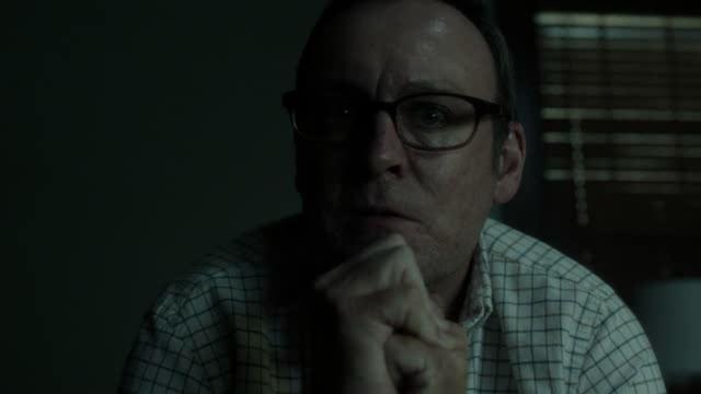 Outcast: il reverendo Anderson (episodio 6)