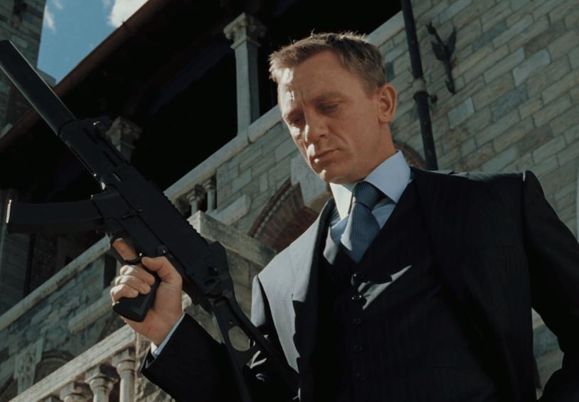 Daniel Craig in una scena di Casino Royale