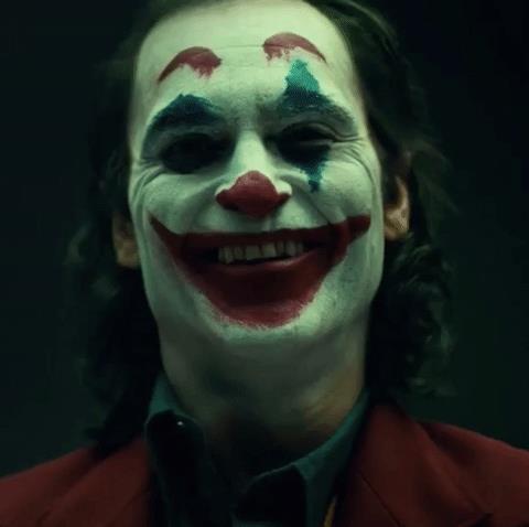 GIF del Joker interpretato da Joaquin Phoenix