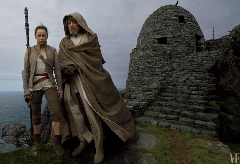 Mark Hamill e Daisy Ridley nei panni di Luke e Rey